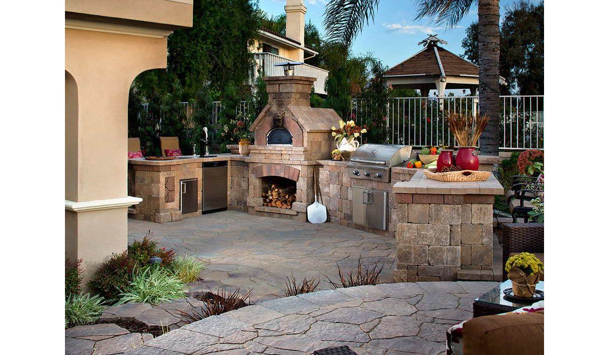 Outdoor Fireplace, Cooking Station, Kitchen Area